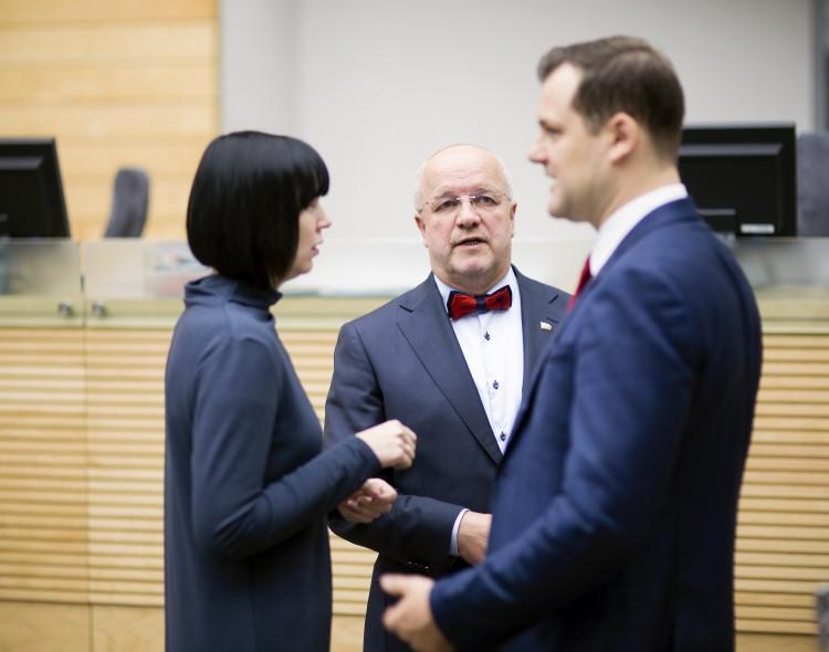 Socialdemokratų pastangomis rezidentų atlyginimų klausimas grįžta į darbotvarkę