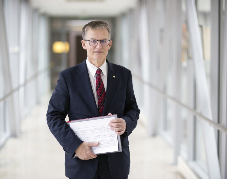 J. Sabatauskas: premjeras ministrus renkasi pagal lojalumą