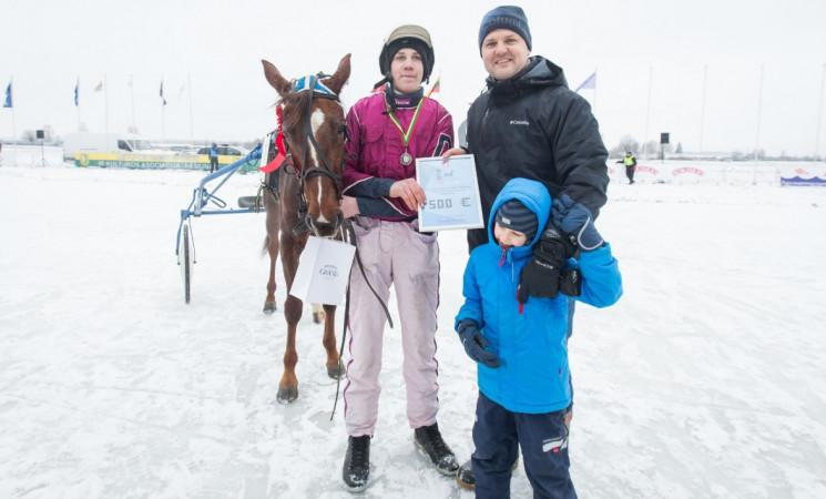G. Paluckas jauniausiam Sartų ristūnų lenktynių vadeliotojui įteikė A. Brazausko vardo prizą