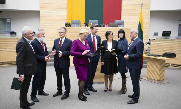 Socialdemokratai negalės balsuoti už biudžetą: nėra sprendžiamos viešojo sektoriaus atlyginimų problemos