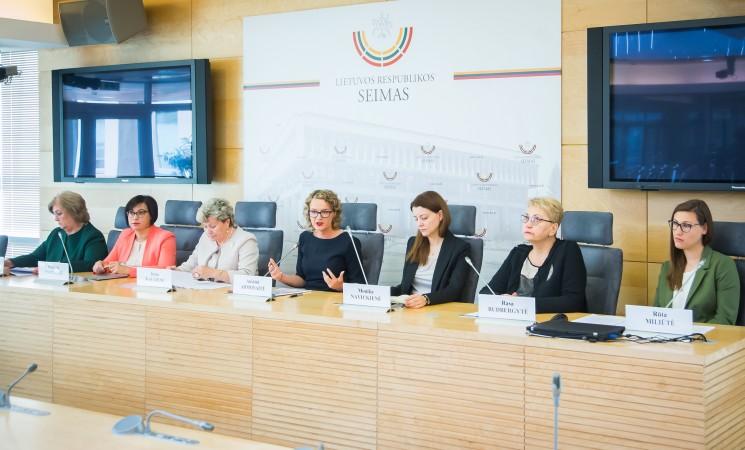 Socialdemokratės Moterų politikos lyderių forume: turime sulaužyti vyrų mąstymo klišes