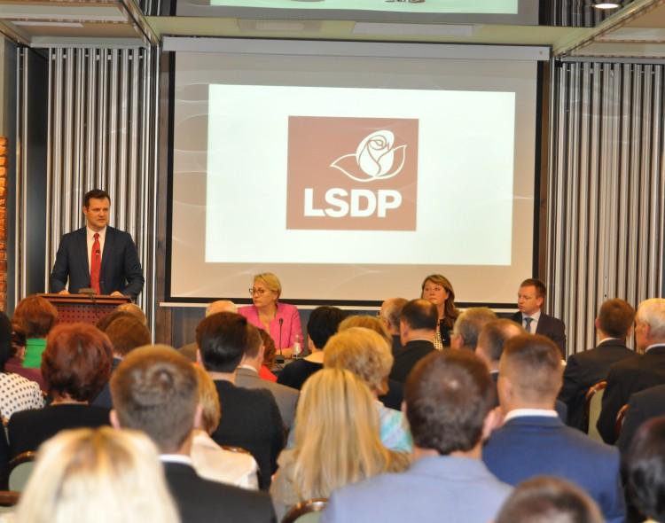 Socialdemokratai spręs, kada ir kaip rinkti pirmininką, priims rezoliuciją dėl Lietuvos gynybos