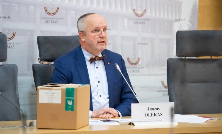 """J. Olekas: A. Verygos """"buldozeris"""" važiuoja per rajonų ligonines"""