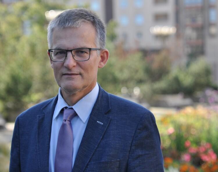 """J. Sabatauskas: """"valstiečių"""" ir konservatorių rietenos gaišina laiką, žaloja teismų sistemą"""