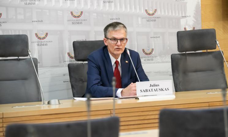 J. Sabatauskas: net Alytaus gaisras neprivertė valdančiųjų skirti pakankamai lėšų ugniagesiams