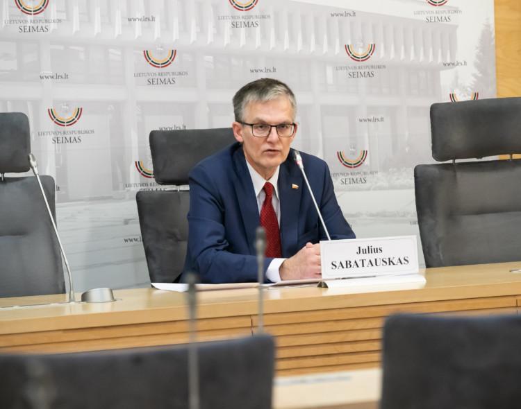 Prezidento komandai - siūlymai iš opozicijos pusės dėl pensijų didinimo