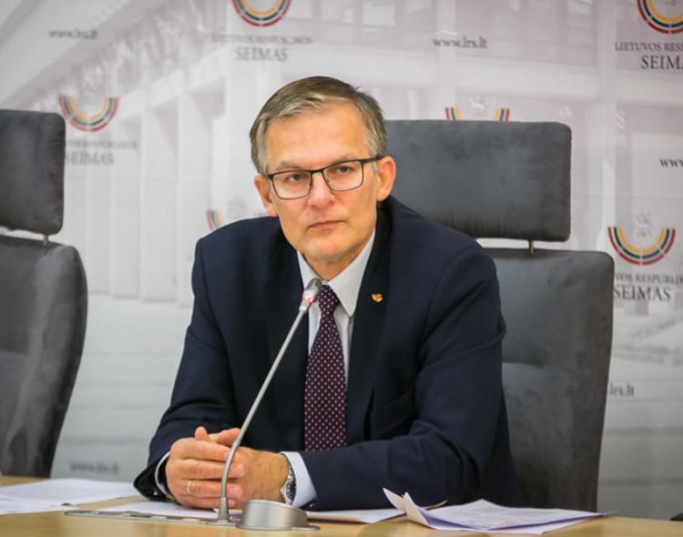 J. Sabatauskas: naujais ribojimais A. Veryga vėl siekia uždaryti rajonų ligonines