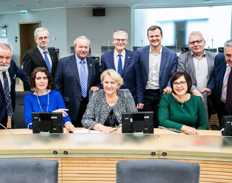 Socialdemokratai: pažeidęs įstatymą J. Narkevičius teisybės gali ieškoti tik atsistatydinęs