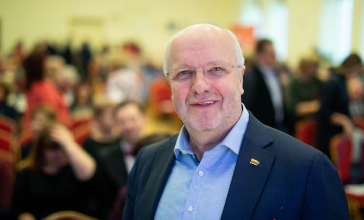 """EP narys J. Olekas: """"Turime suvokti, kad grėsmė visuomenės sveikatai yra ekstremali situacija"""""""