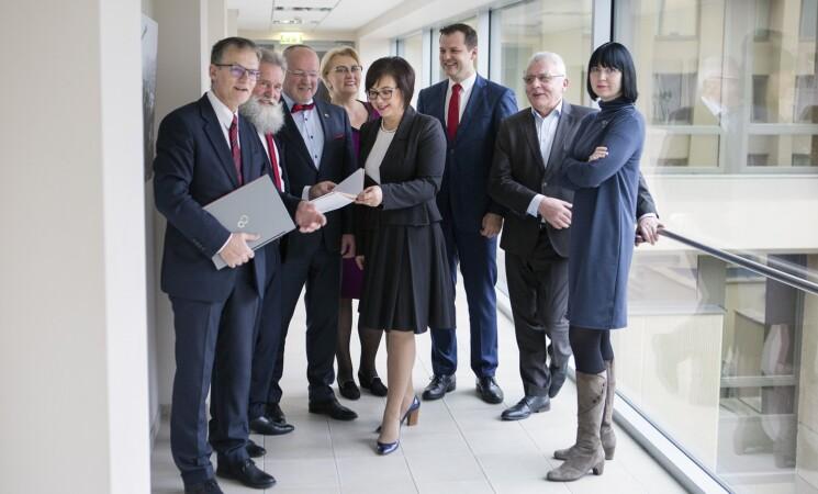 Socialdemokratai S. Skverneliui pateikė siūlymus dėl gydymo įstaigų darbuotojų atlyginimų
