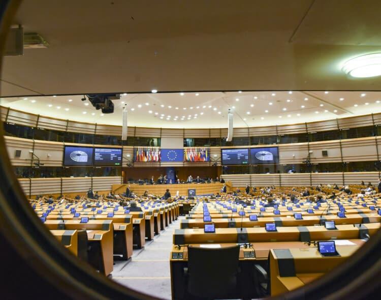 Neeilinė sesija Europos Parlamente: priemonės kovai su COVID-19 ir jo padariniais