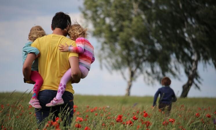 Kaip padėti šeimoms? Kokybiškas būstas, darželis ir mokykla – kiekvieno teisė