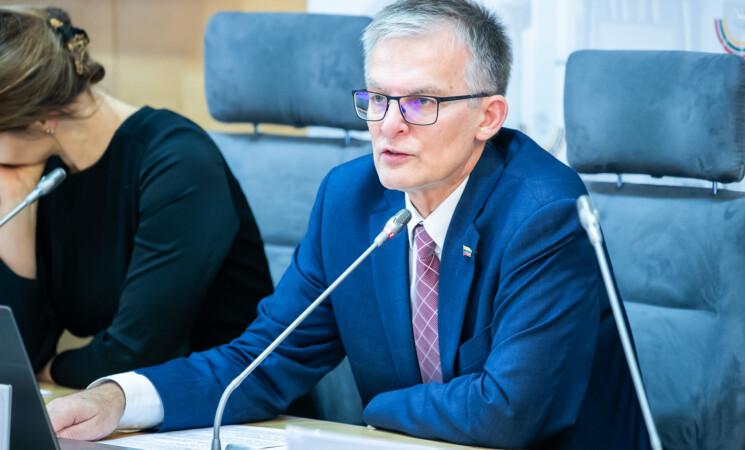 Julius Sabatauskas. Vilnius genda nuo galvos – demonstruodamas cinizmą meras lošia va banque?